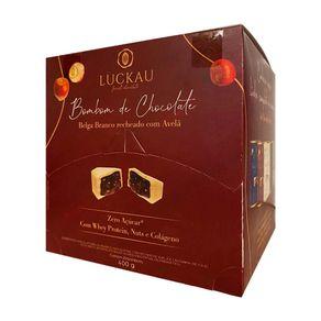 Bombom-de-Chocolate-Belga-Branco-Recheado-com-Avela-Luckau